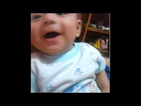 Bayi lucu baru berusia 2 bulan