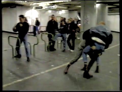 Doku über Skinheads und Hooligans in Wien 1991