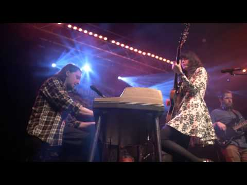 "Natalie Prass - ""Bird of Prey"" (Live at The Broadberry)"