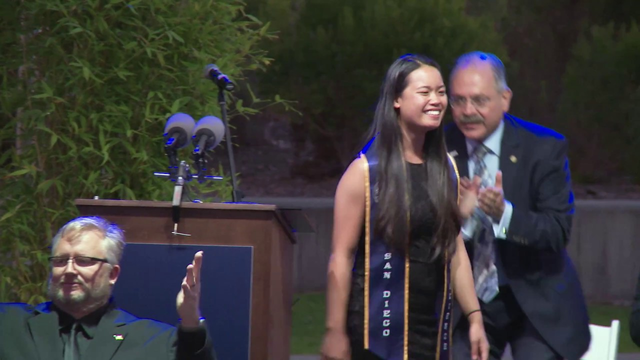 UC San Diego: Jacobs School of Engineering Ring Ceremony 2017