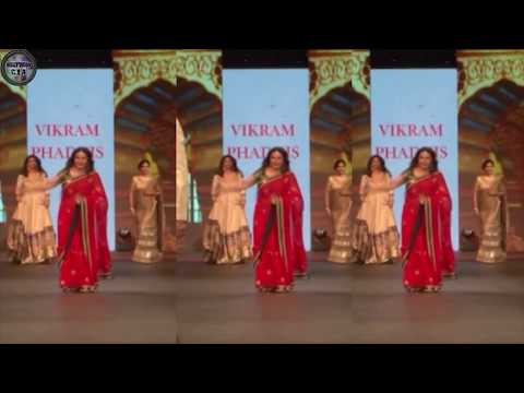 Bollywood actresses ramp walk goes HORRIBLY WRONG | Uncut videos