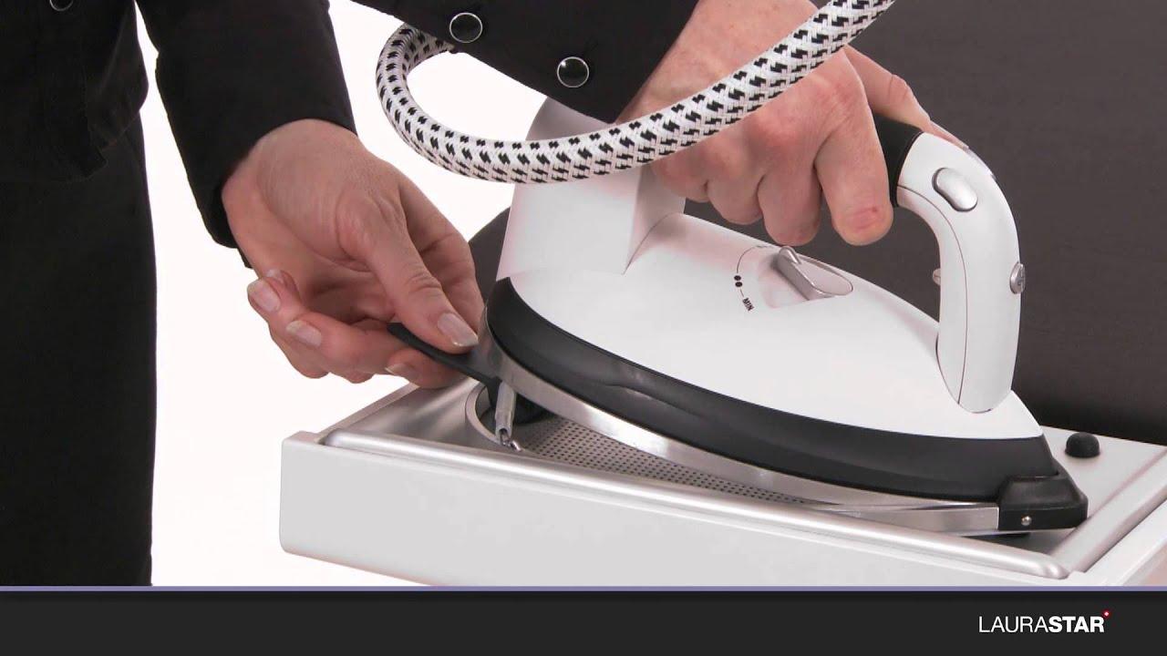Nettoyer Semelle De Fer laurastar - comment utiliser la semelle protectrice de votre fer à repasser  ?