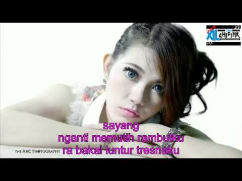 Via vallen sayang official lyric video