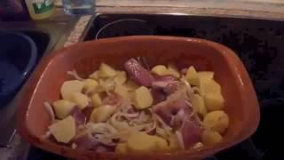 Картофель с мясом в горшочках (Römertopf)