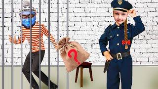Полицейский Ястася поймала воришку в доме