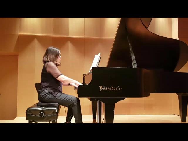Studio de piano Tristan Lauber intermediate : Sylvie joue Mendelssohn