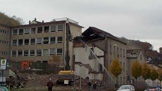 Hohenlimburg/Hagen Obere Isenbergstraße Abriss der Schulgebäude 04.11.2015