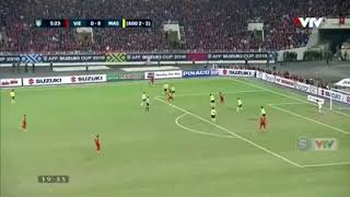 Bàn thắng đẹp nhất, di nhất mang Việt Nam giành chiếc cúp vô địch AFF.