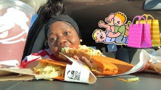 Taco Bell car mukbang *black Friday experience* 🌮🤛🛍
