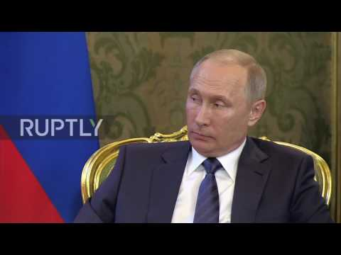 Russia: Putin holds meeting with Vietnamese President