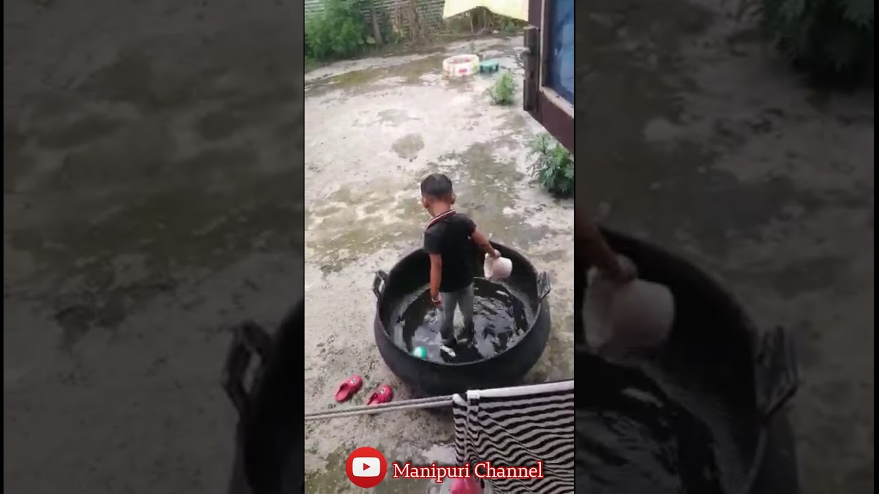 See how His mother tap a video of this boy 🤣