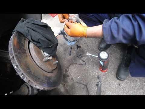 How To Change The ABS Sensor Chrysler Dodge / Как поменять сенсор АБС Chrysler Dodge