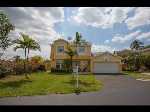 9348 Sw 145th Pl Miami, FL 33186