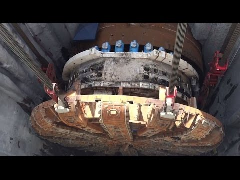 Mammoet - Recovery of a stuck tunnel bore in Seattle