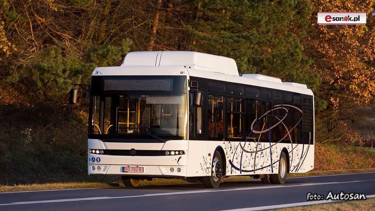 Światowej klasy autobusy i stacja tankowania gazu
