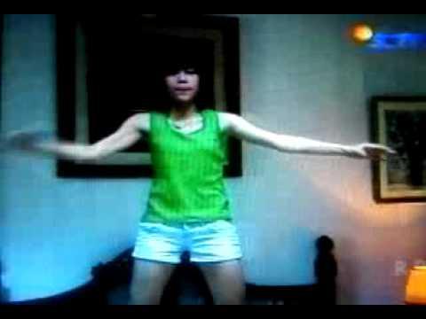 GIGI CHIBI DANCE [ @rorozahrooo ]