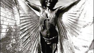 Badass Drum solo belly dance, Sandrine Anterrion
