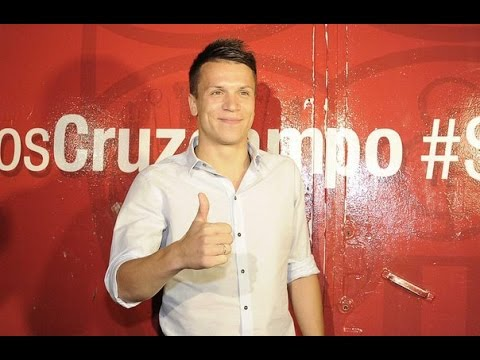 Konoplyanka offical player in FC Sevilla