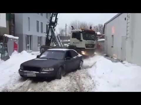 Bludenz: Audi zieht Lkw aus dem Schnee