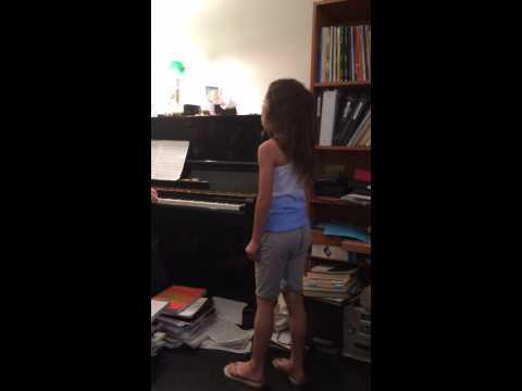 Aubrey AndersonEmmons Singing Tomorrow from Annie
