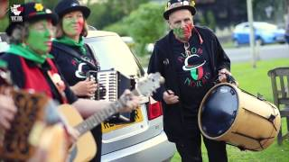 The Morris Dance(Videowl - Fine HD Production 2013 http://www.videowl.co.uk Morris Dancing is England's folk dance tradition, with the earliest records dating from the 1400's., 2013-06-17T18:19:25.000Z)
