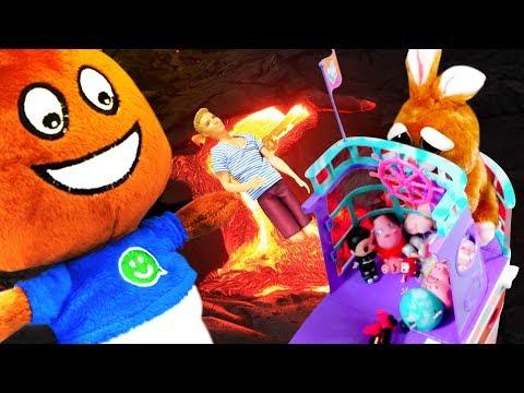 Что за странная игрушка у Амельки? Амелькины Игрушки спасаются от Лавы! Почему Кен в бассейне?