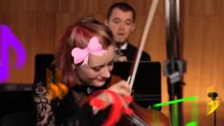 Orquestra toca 43 temas dos nossos desenhos favoritos em 5 minutos
