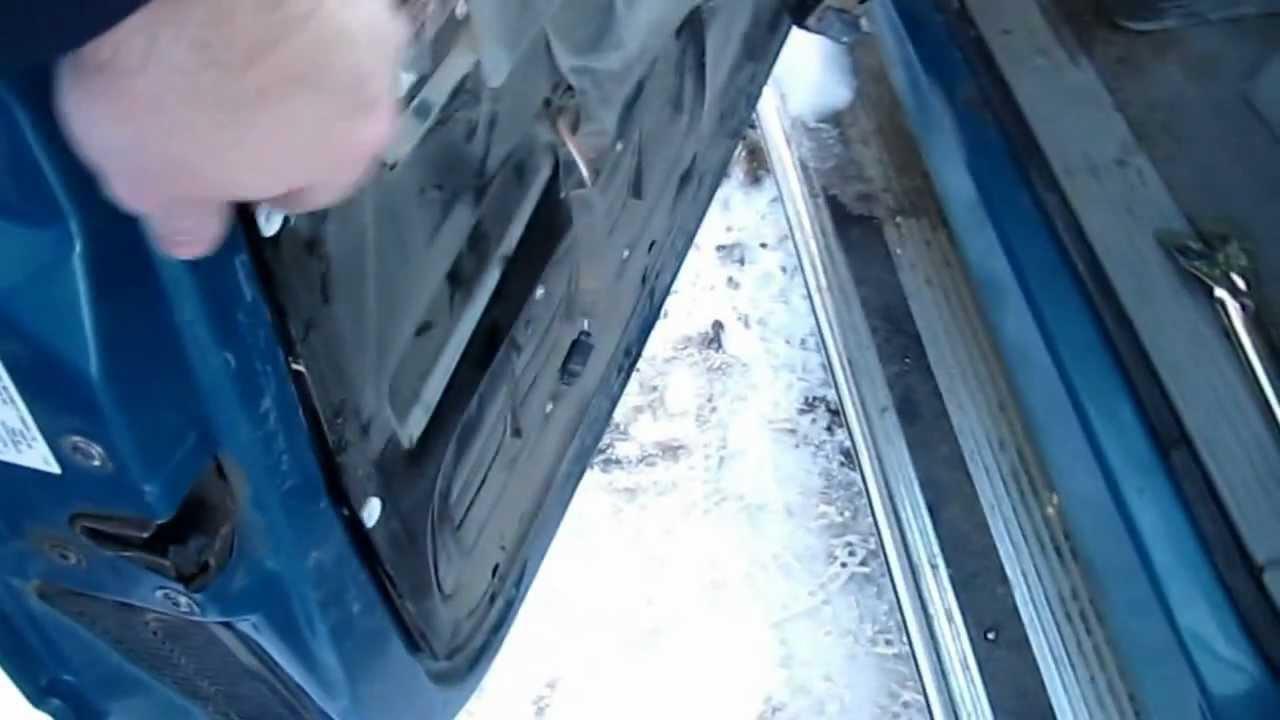 hight resolution of replacing 1998 chevy silverado exterior door handle