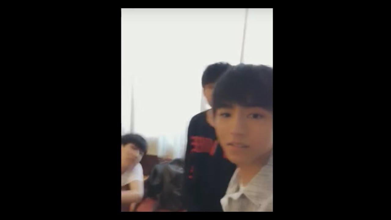 """【TFBOYS】王俊凯17岁""""启航""""生日会 后台采访 完整版 【KarRoy凯源频道】"""