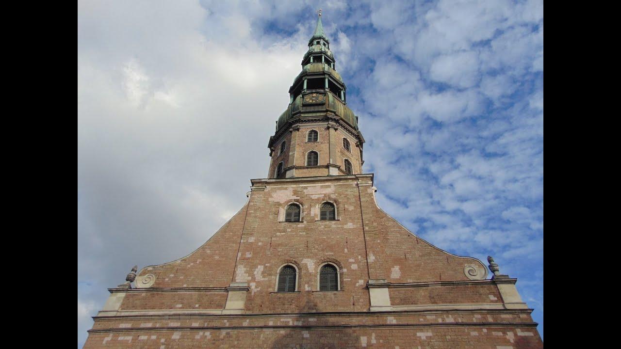 9.a klases ekskursija pa Vecrīgu. Pēterbaznīcas tornis.