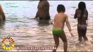 Video REPÓRTER FAVELA E MARIANA BAHIA BANHO DE MAR download MP3, 3GP, MP4, WEBM, AVI, FLV November 2018