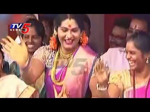 Jogini Shyamala Dance Performance At Lal Darwaza Bonalu 2016 | TV5 News