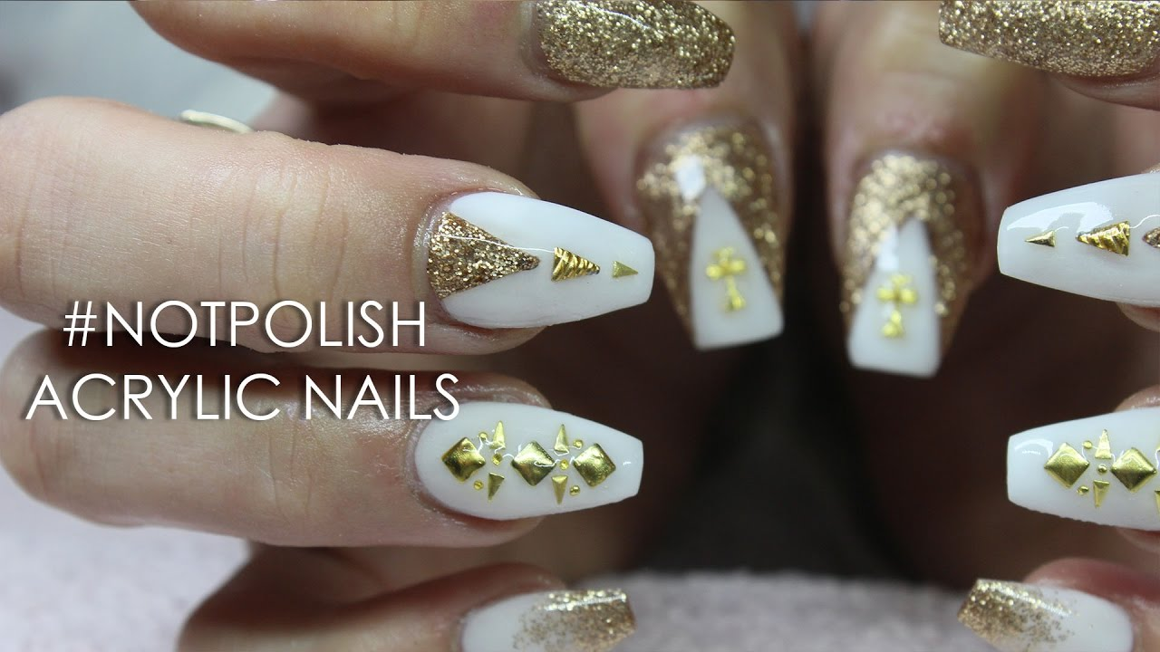 How To White And Gold Glitter Coffin Acrylic Nails Nail Art Youtube