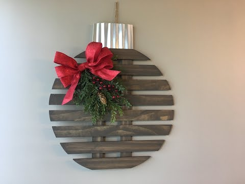 how-to-make-a-rustic-wood-christmas-ornament-decoration---customize-with-your-cricut!