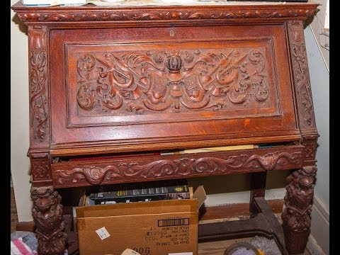 House Full of Antiques and Collectibles for Sale.
