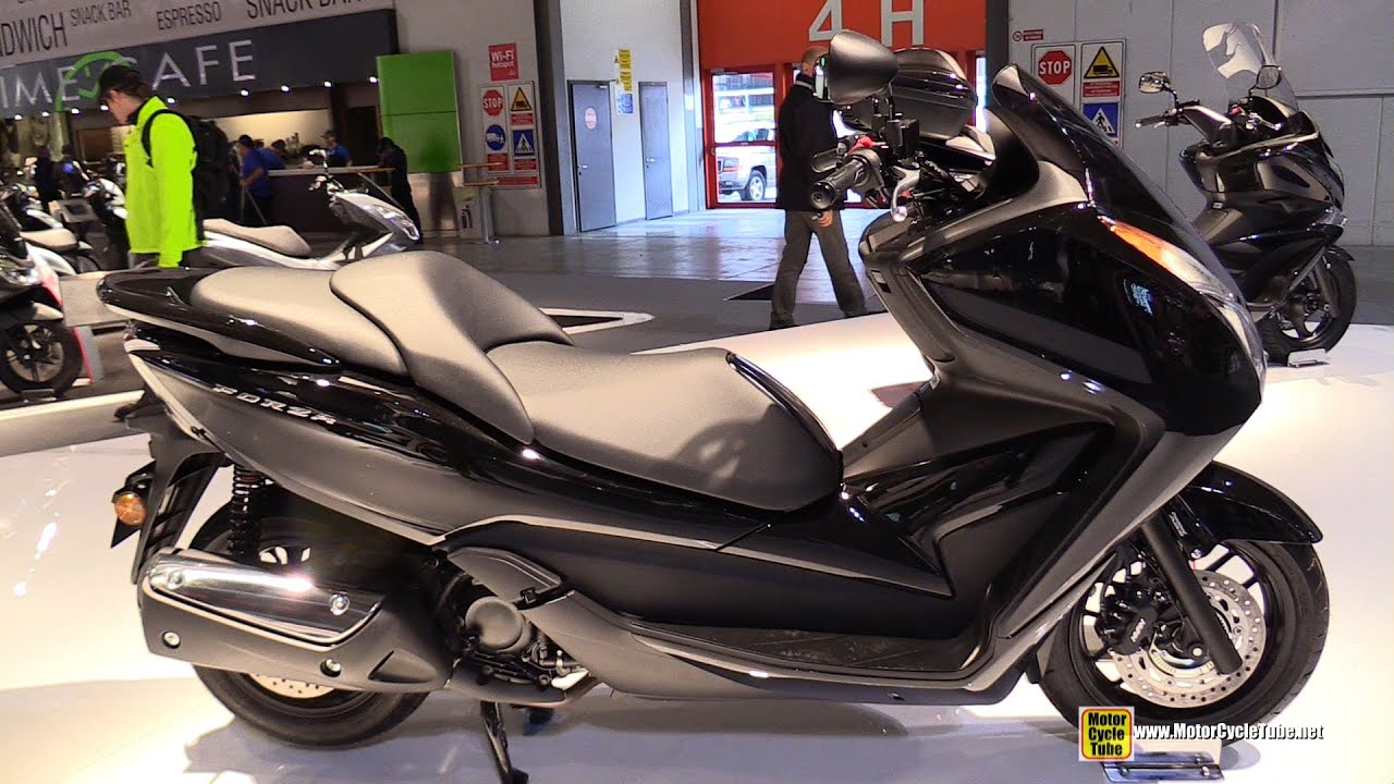 moto scooter honda 300
