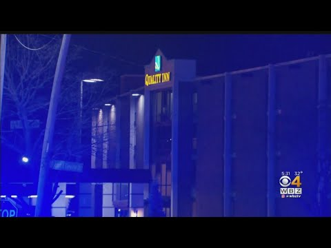 One Shot Dead, 2 Barricaded In Manchester, New Hampshire Hotel