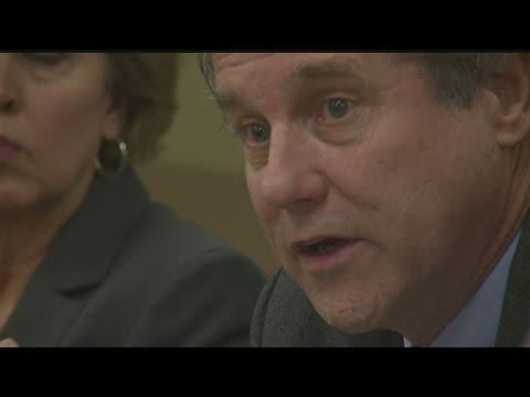 Sen. Sherrod Brown hosts roundtable opposing healthcare repeal