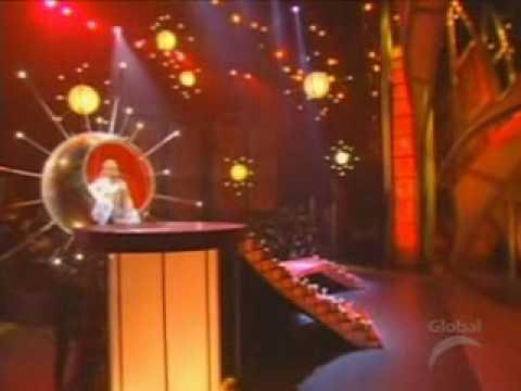 Christina Aguilera - Pero me acuerdo de ti & Falsas esperanzas live Grammys 2001