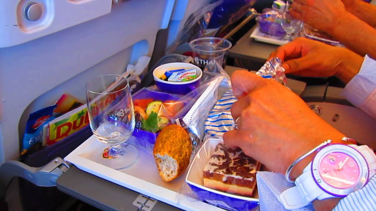 Thai airways a380 fra bkk food service eco class youtube for Air thai cuisine