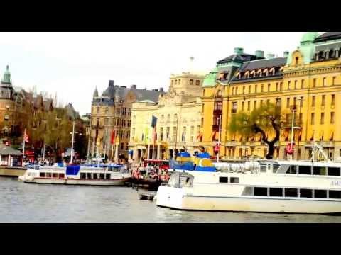 Stockholm centrum på båt av sjövägen