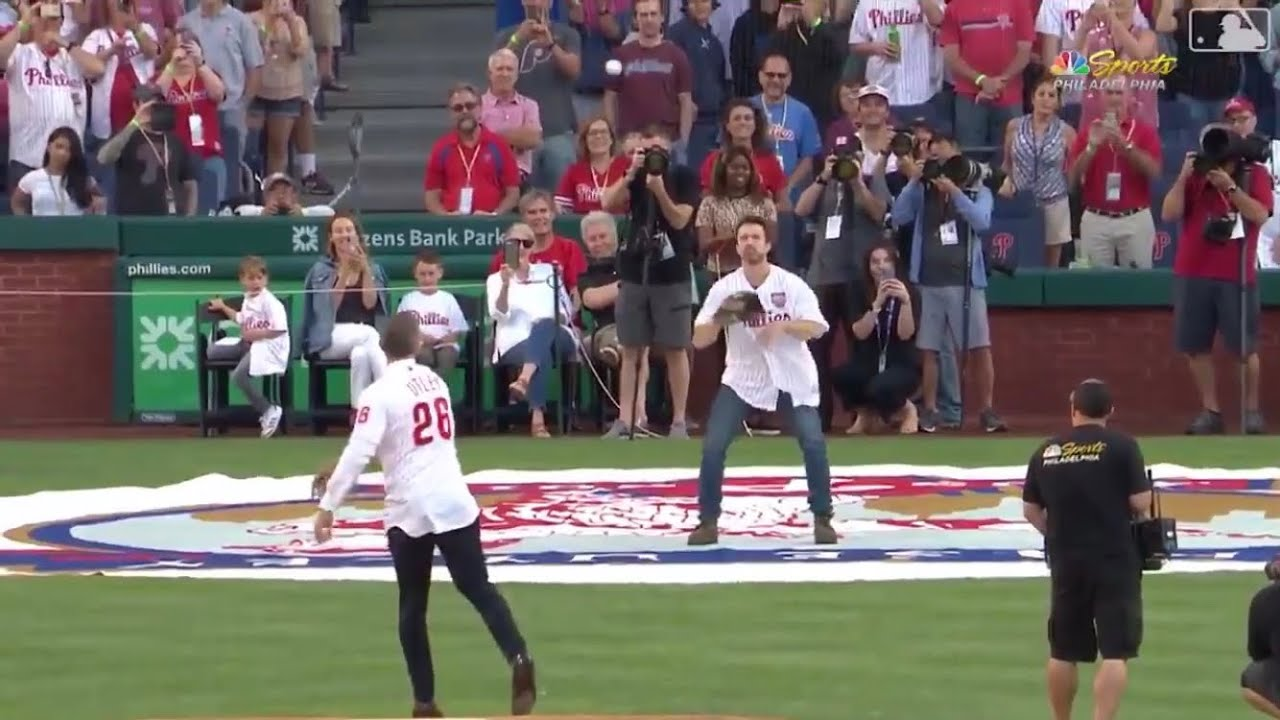 Chase Utley and Mac from 'Always Sunny' finally had a catch