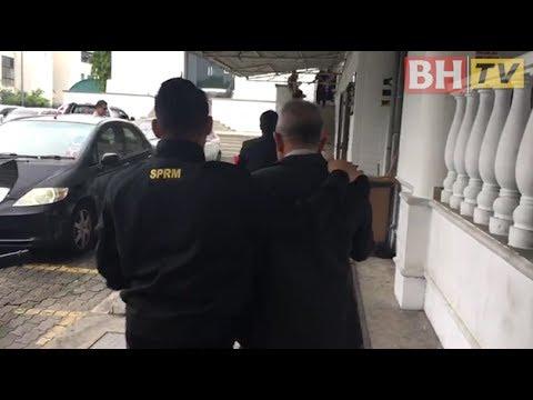 Bekas pengarah JKR Labuan didakwa di mahkamah