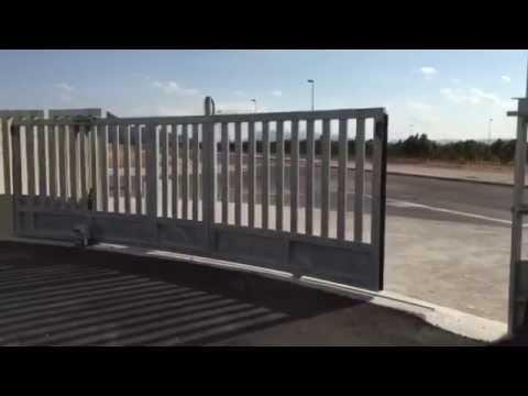 Puerta corredera curvada youtube - Puerta empotrada corredera ...