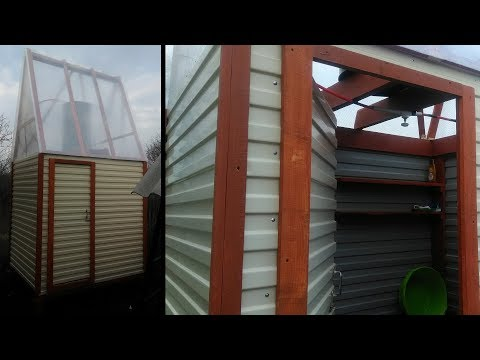 Построил летний душ, крыша из поликарбоната