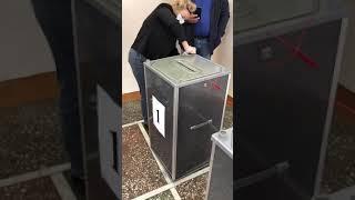Открытая избирательная урна обнаружена на выборах в Саратове