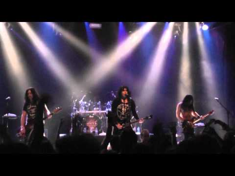 Wasp heavens hung in black live in athens