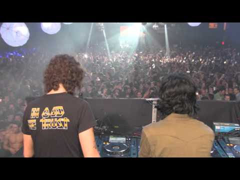 JUSTICE - FINALE. PARADISE.  @ THE BROOKLYN HANGAR NYC - 12.31.2015