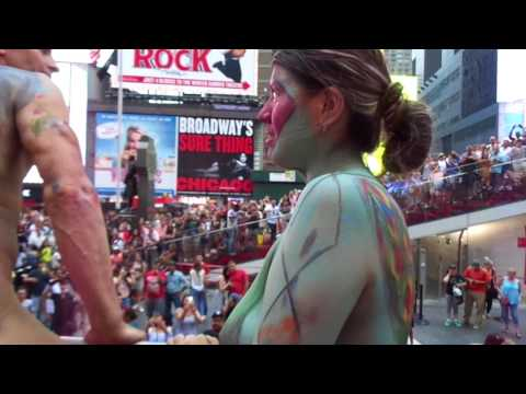 2017 NYC Bodypainting Day | Arriving at Times Square on the Bus | New York City, July 22, 2017