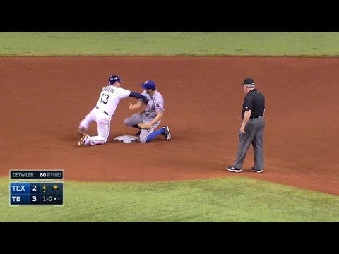 tex@tb:-benches-clear-after-a-pickoff-attempt